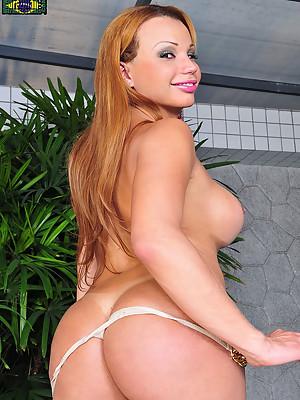 Curvy blonde latin babe!